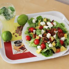 Salade sucré-salé et virgin mojito