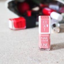 Le cas du vernis à ongles naturel avec UNE Beauty